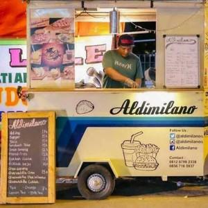 Aldimilano Vespa Kitchen Trailer ~ Omset Usaha Kitchen Mobile Rp 30 Juta per Bulan