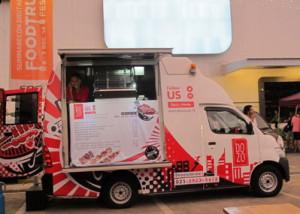Dozo ~ Usaha Sate Khas Jepang Konsep Food Truck Omset Rp 10 Juta/Hari