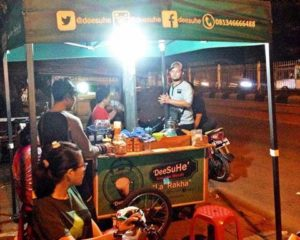 Dua Sahabat Sukses Usaha Waralaba Minuman Jahe Susu Deesuhe Dengan Omset Puluhan Juta